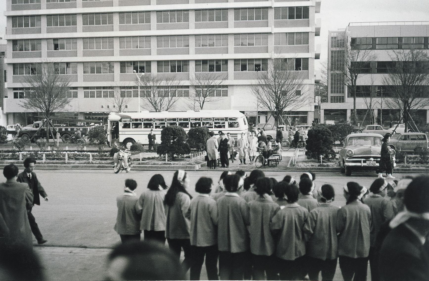 京都市職労三役解雇